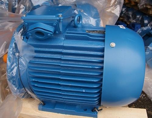электродвигатель 4АМ для насоса перед отправкой