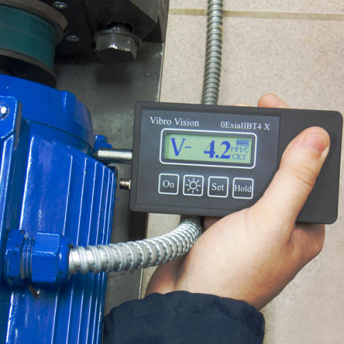 Контроль соответствия нормам вибрации электродвигателя